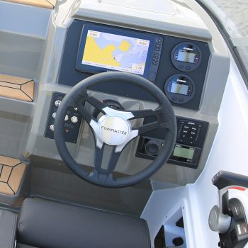 Full control with a large steering console